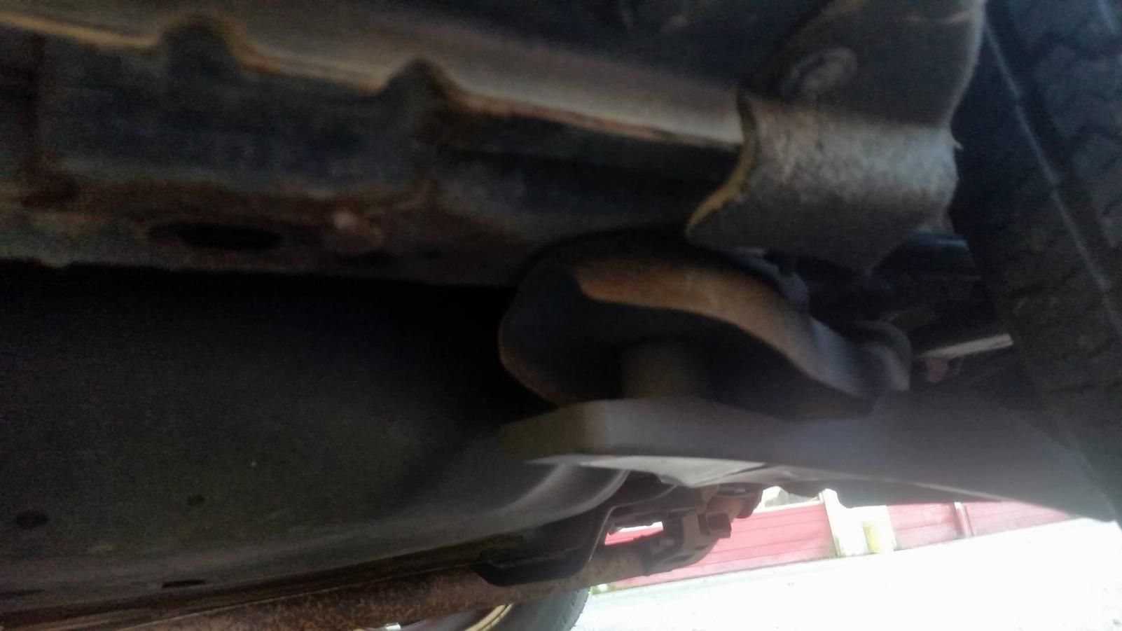 2009 Nissan Murano With A Rusted Subframe Page 2