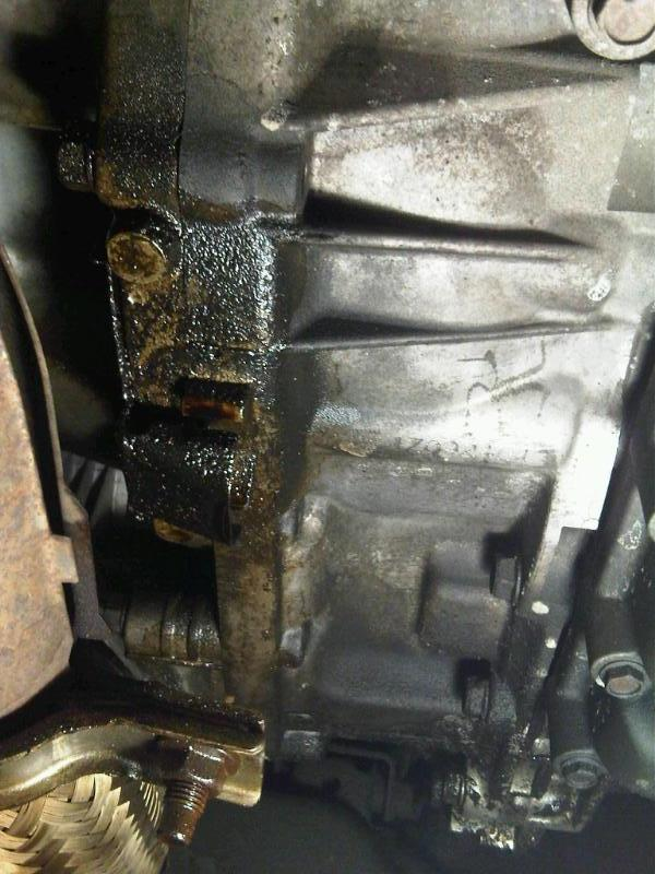 16109d1285630556 oil leak cvt transfer case img00004 20100927 1808 oil leak? cvt? transfer case? nissan murano forum Nissan Xterra Camping at bayanpartner.co